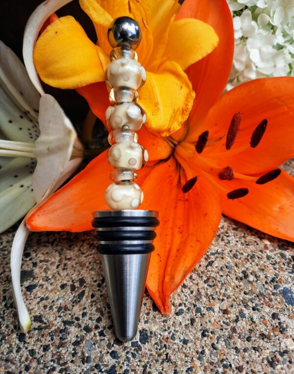 Ivory and champagne dots bottle stopper