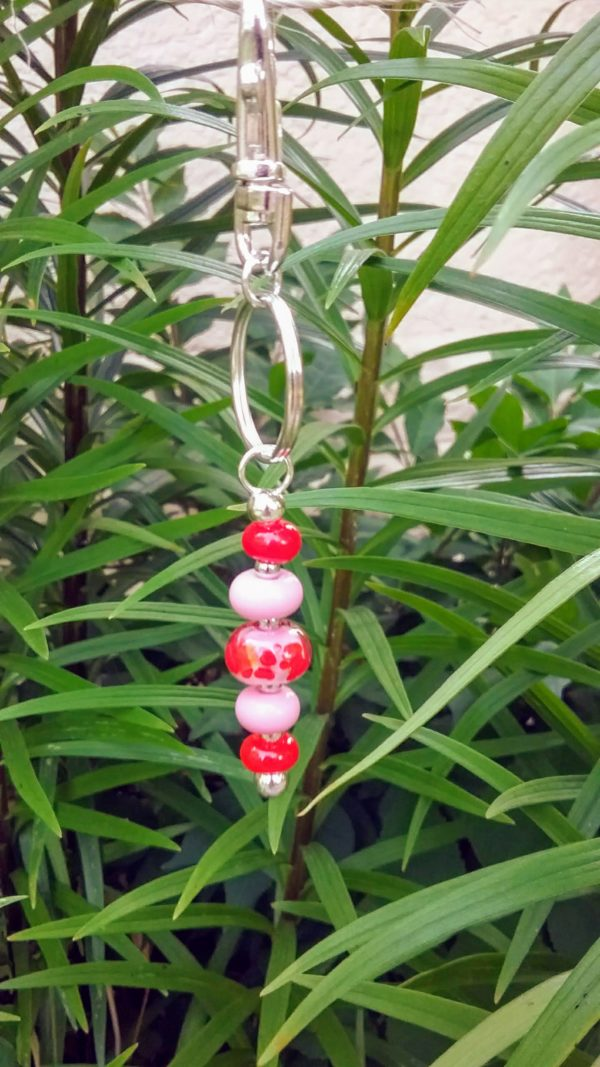 Red and pink 5 bead keychain